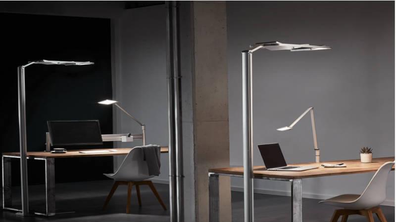 Iluminación perfecta en oficina y despachos vislumbrando triunfo y progreso