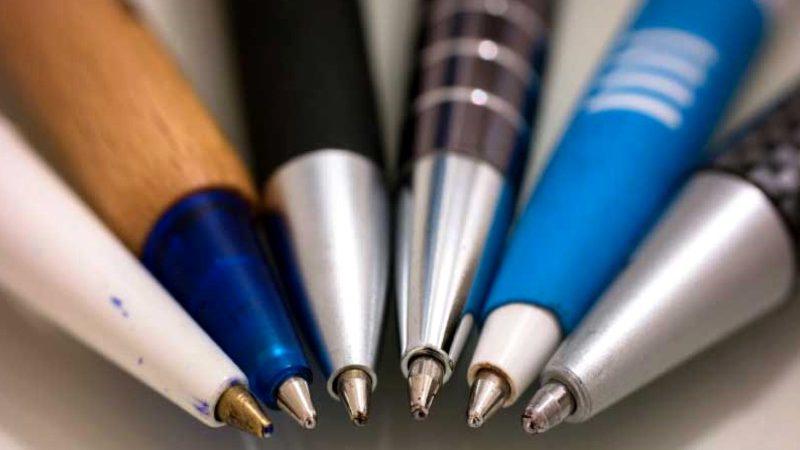 El bolígrafo, lapicero o lápiz tinta… Como prefieras llamarlo